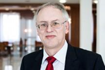 Dr. Christian Thiel